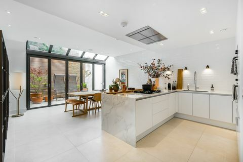 31 Trg Rainsborough - London - blagovaonica - John D Wood & Co